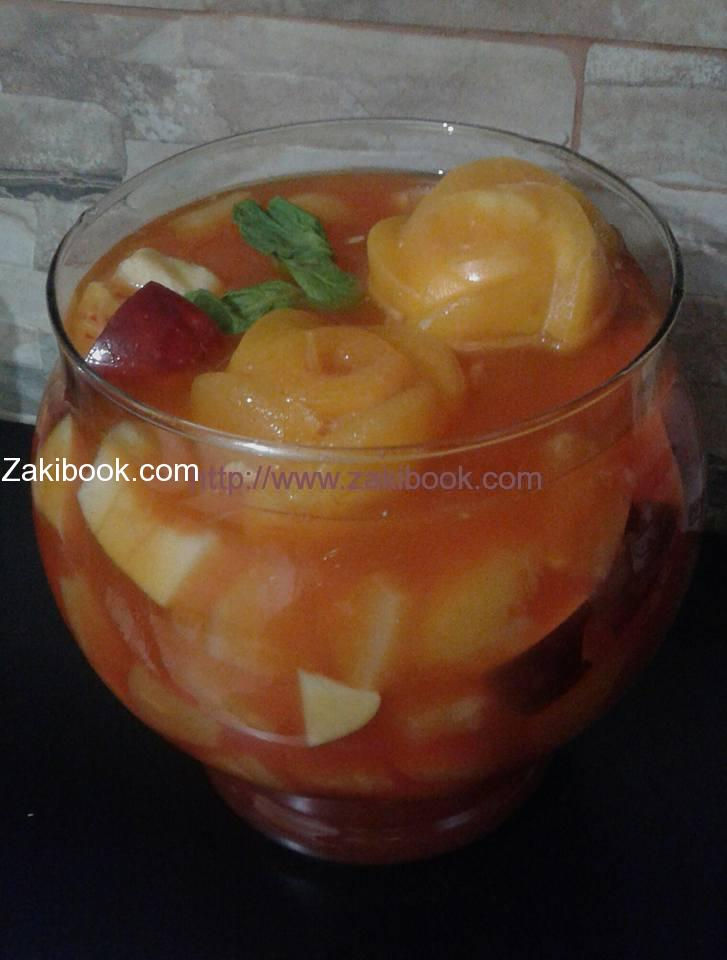 عصير الفواكه المشكل