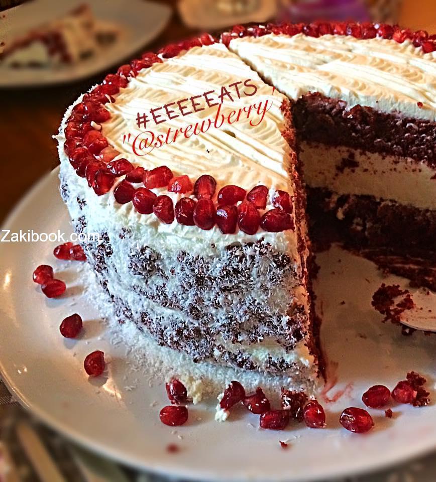 Red velvet cake الكيكة المخملية الحمراء