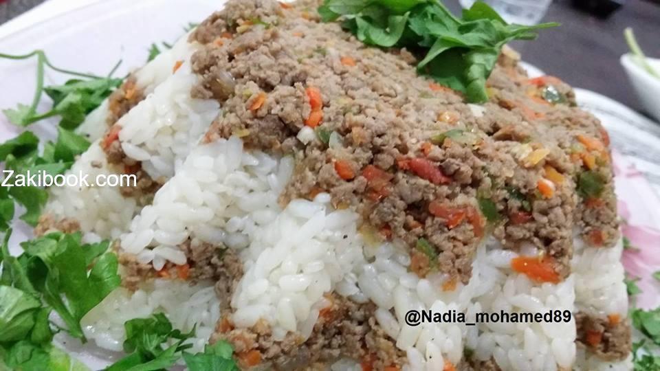 طبقات الرز باللحمه المفرومه