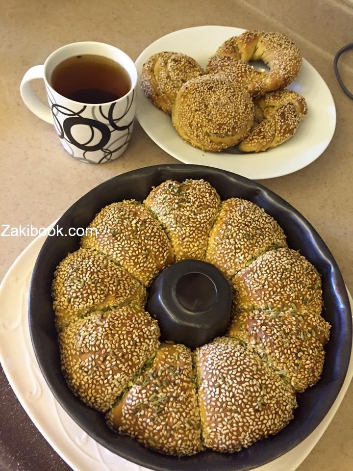 طريقة عمل خبز السميت التركي بالتفصيل