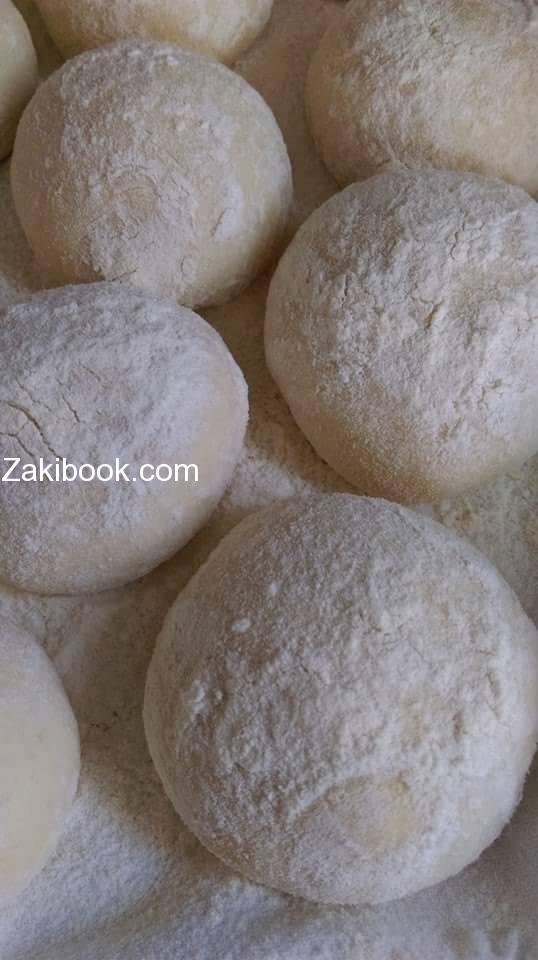 خبز البيتا على طريقة المخابز