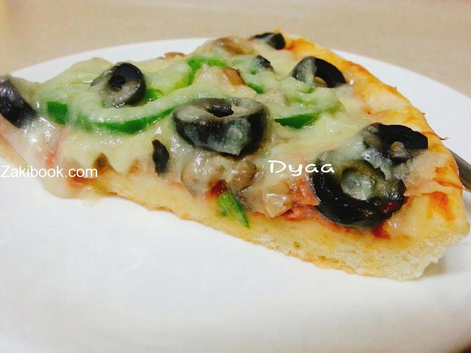 عجينة البيتزا على الطريقة الطليانية الأصليه