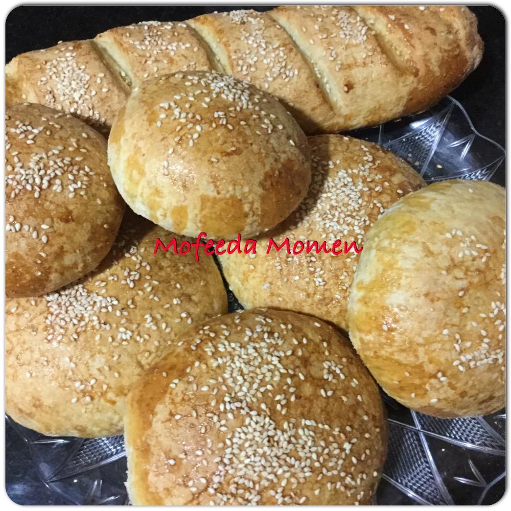 خبز البرجر والخبز الفرنسي بدقيق الشوفان