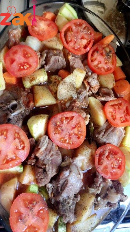 صينية بطاطا مع الخضار واللحمه بالفرن