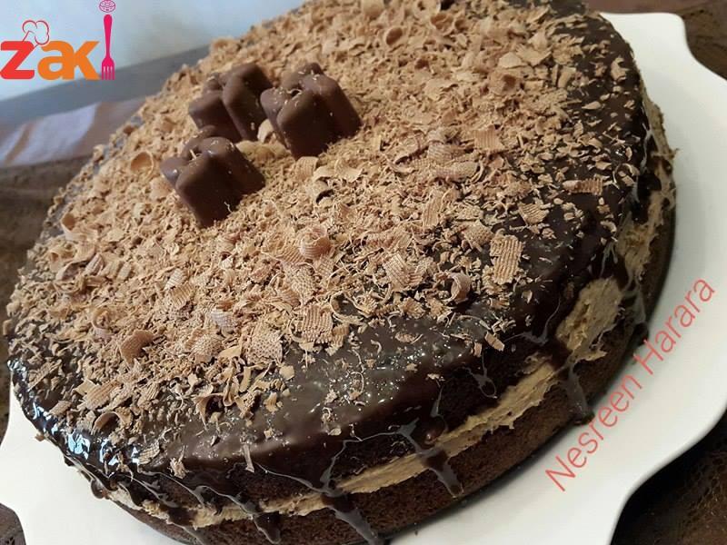 افخم كيكة شوكولا بمكونات بسيطة مع طريقة التزين كمان