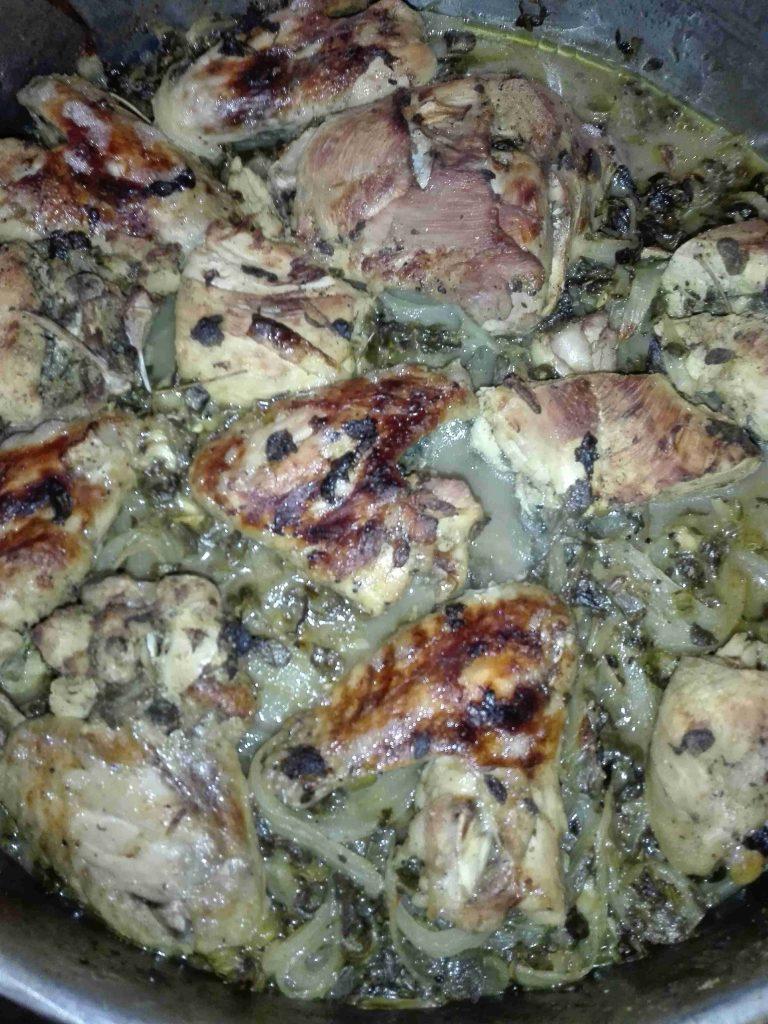 دجاج مشوي بتتبيلة اوراق الزعتر