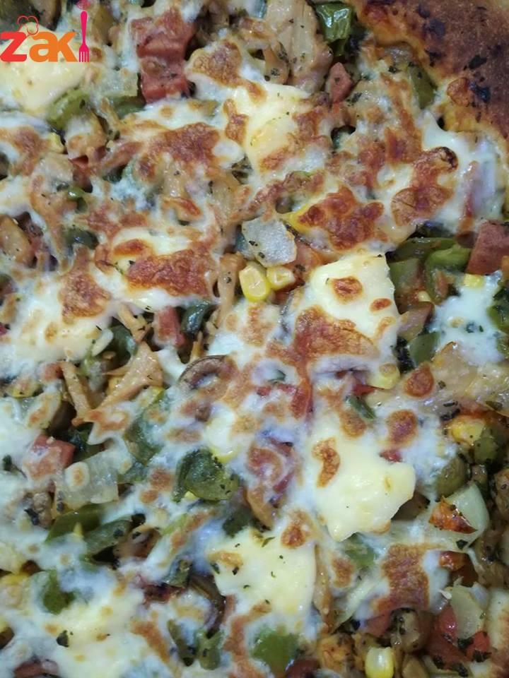 طريقةالبيتزا بعجينة العشر دقائق زاكية و طعمها فووووق الوصف جربوها ما ازكاها