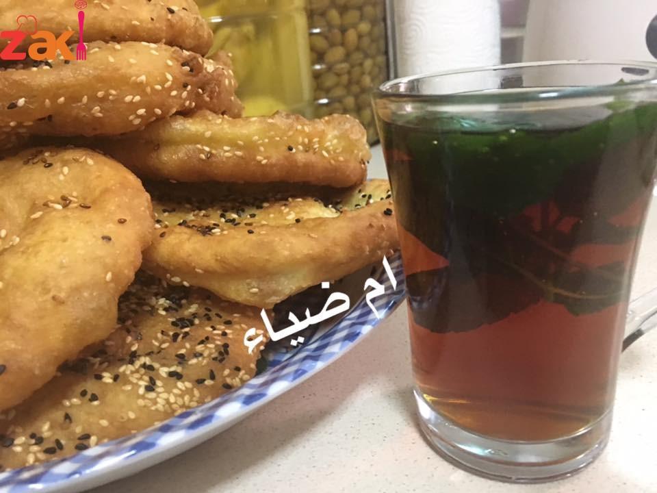 تفضلو خبز الزلابيه الهش زاكي كثير وبيتاكل مع الحلو والحادق