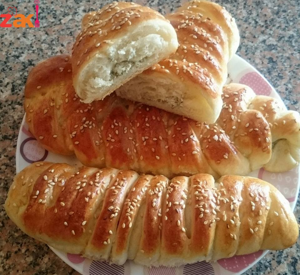 فطاير بالجبنة والزعتر خفيفة للفطور والعشاء