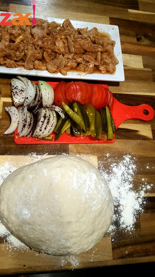 حبيت اليوم اعملكم شاورما الدجاج مع خبز الصاج