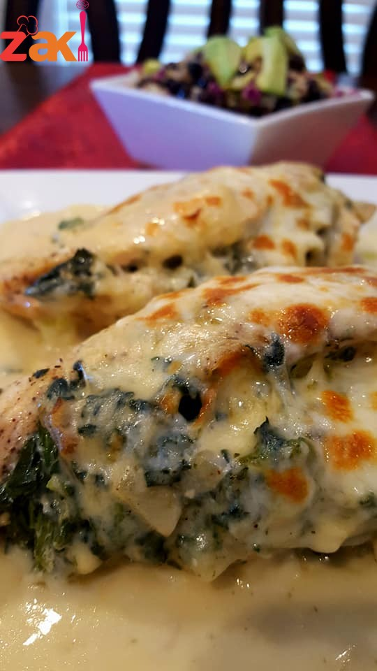 دجاج بحشوة السبانخ والجبن مع صلصة البشاميل