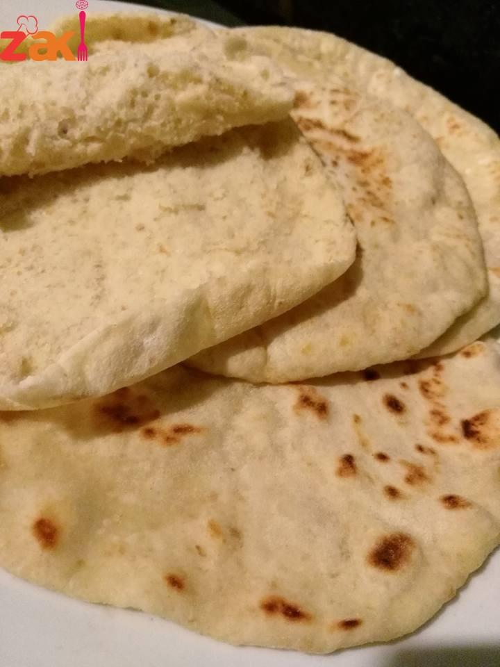 خبز طازج من بقايا الخبز