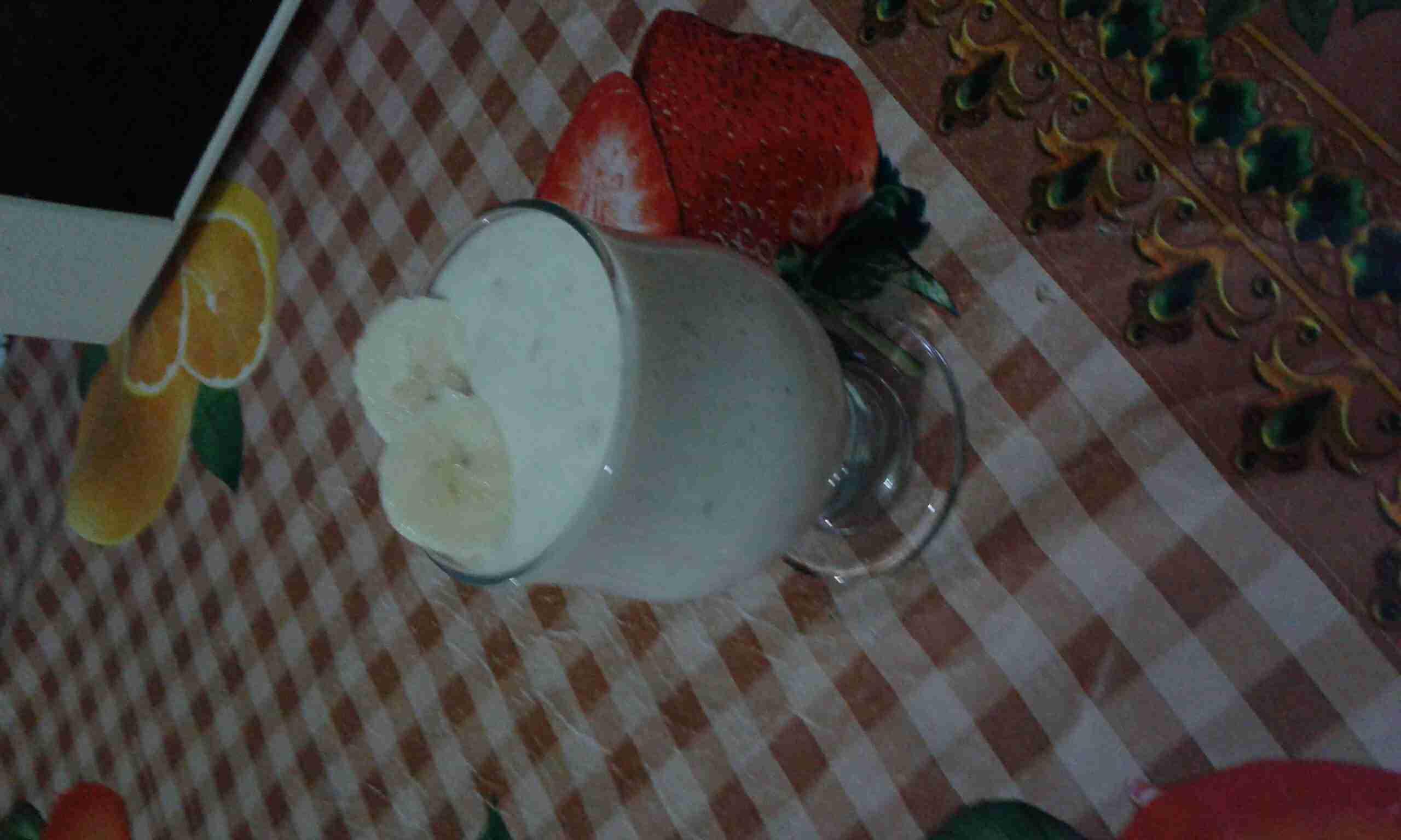عصير موز بالقشطة