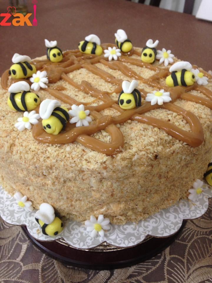 طريقة عمل كيكة العسل الروسية