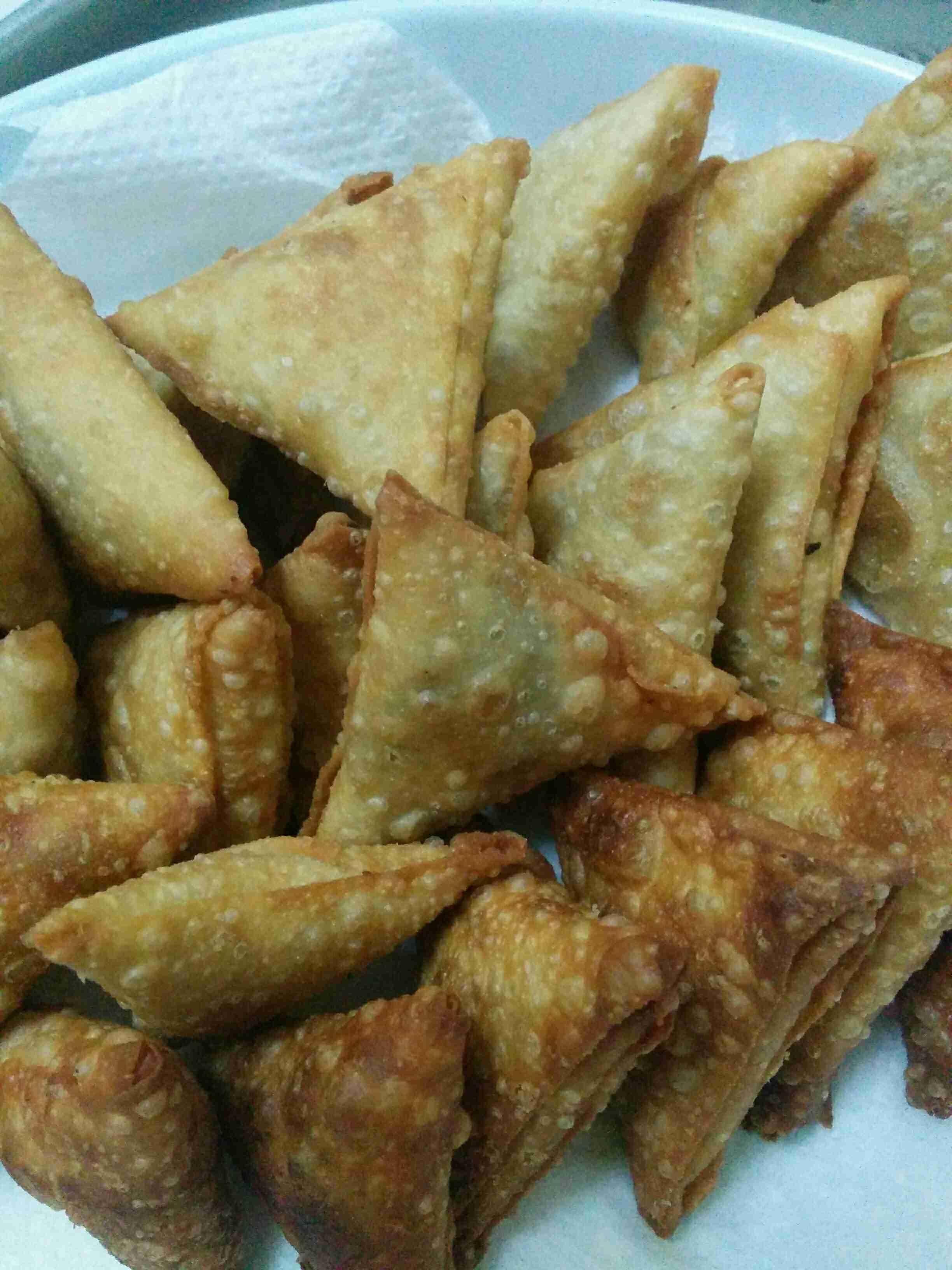 السمبوسه من ألف إلى الياء ملكة الأطباق الجانبية رمضان