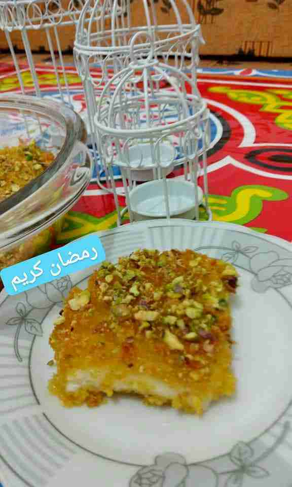 كنافة ناعمه محشيه قشطه من حلويات رمضان