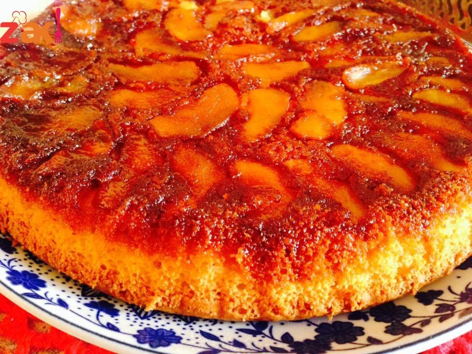طريقة الكيك المقلوب بالتفاح