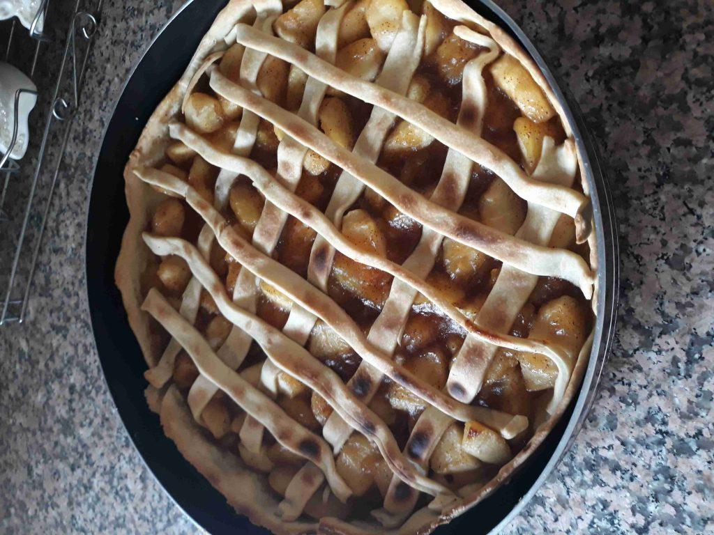 تارت التفاح (ملكة الحلويات الشرقية )