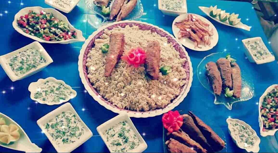 سمك مقلي مع أرز مبهر