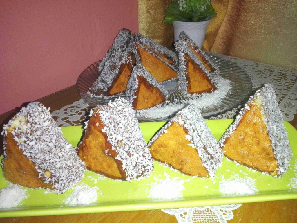 مثلثات الكيك الرائعه بالطريقه التركيه