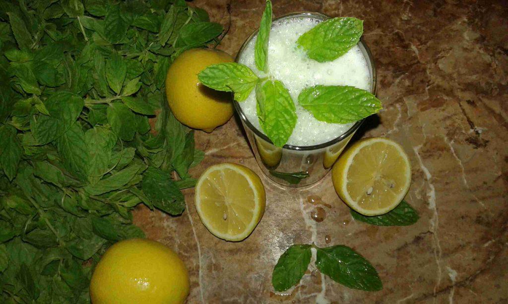 عصير الليمون والنعناع المنعش يمممي ملكة رمضان 👌😜